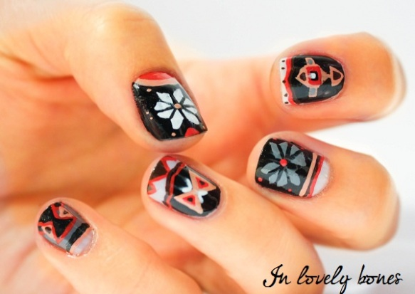Poncho nails