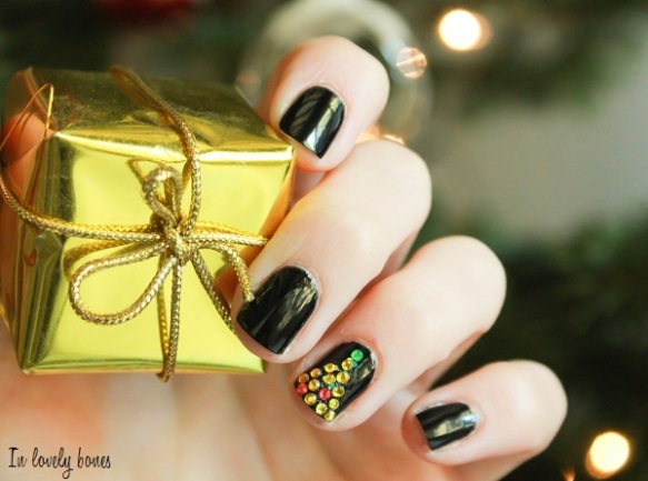 Christmas Tree Black and Gold 3