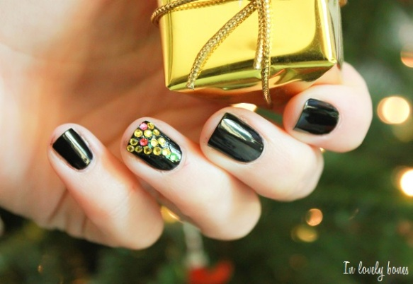 Christmas Tree Black and Gold 5